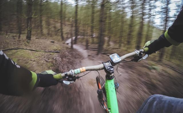 Skal man bruge rygskjold når man cykler MTB